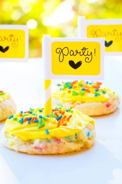 Add a special touch to your party goodies with DuraReady's bright colored labels!